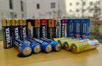 GroßeTECHBOOK-Untersuchung: 11 Batterien im Test – günstige oft besser als Marken-Produkte